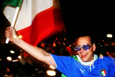Italy_won_worldcup_01_400.jpg