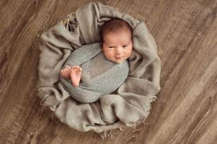 Newborn session by Daniela Sterea