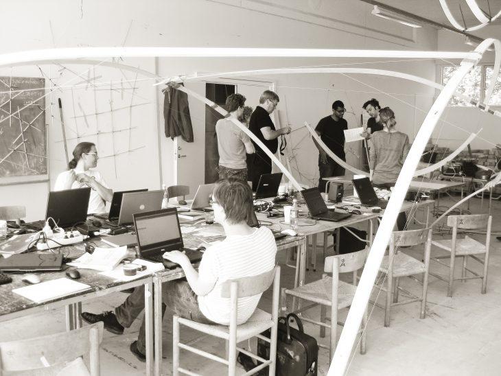Inside the June 2010 Dermoid workshop. From left to right: Martin Tamke, jacob Riiber, Morten Winter, Jane Burry (hidden), Mark Burry, Alexander Peña de Leon, Phil Ayres, Mette Thomsen.