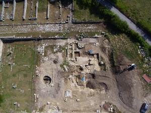 Il piazzale del Santuario di Ercole, luglio 2011. Foto Soprintendenza Archeologia dell'Abruzzo