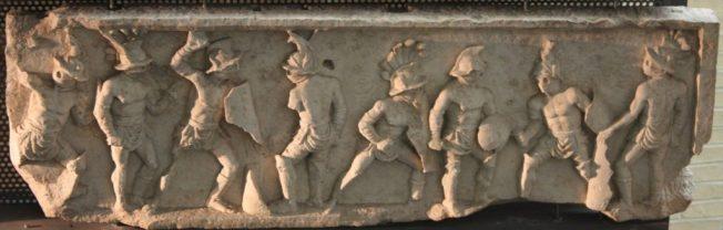 Elemento del fregio del monumento funerario di Lusius C. Storax, presso Museo Archeologico Nazionale La Civitella