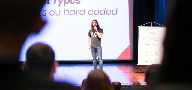 Daniel Kossmann palestrando no WordCamp São Paulo 2018