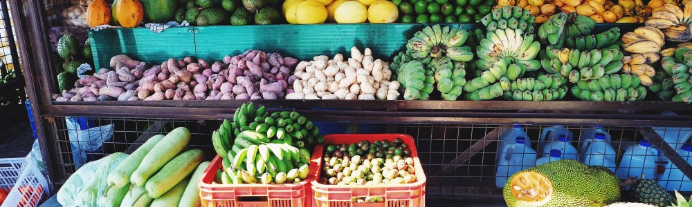 vegetable stand at farmers market