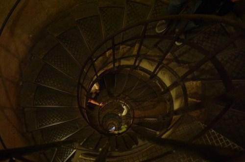 trap naar beneden