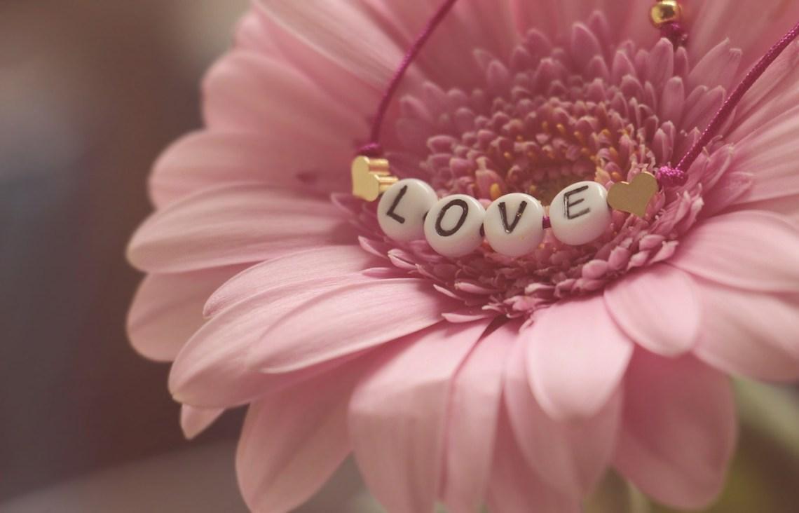 gedicht: Ik geloof in de liefde