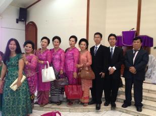Foto Bersama Keluarga Besar di HKBP Kramat Jati