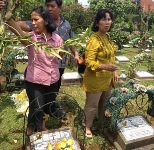 Kunjungan ke kuburan Tulang Jio