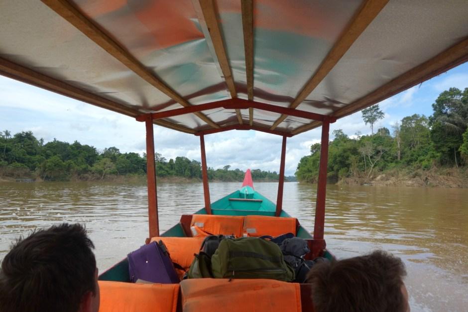 Transport på Sungai Tembeling