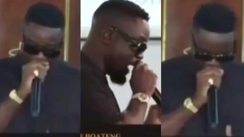 Sarkodie warms hearts at funeral as he turned his written tribute into rap freestyle [Video]