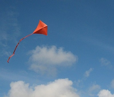 'my soul is a tethered kite' – a poem by Danny Faragher