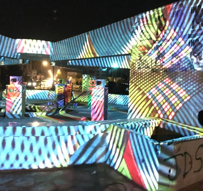 2016 | Libremapping Dakar : Le Show Bideew | happening multimédia | projection architecturale