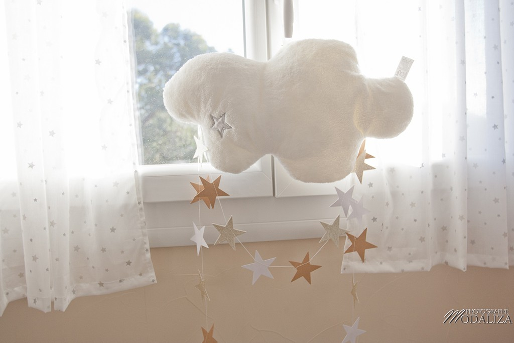 une chambre de bebe theme aviation