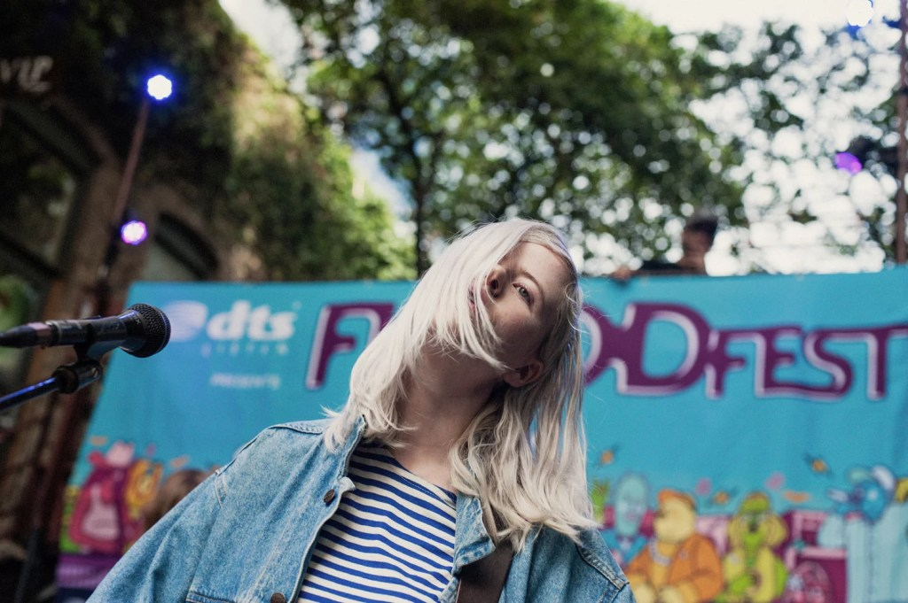 Nieuwe single Amber Arcades – Fading Lines