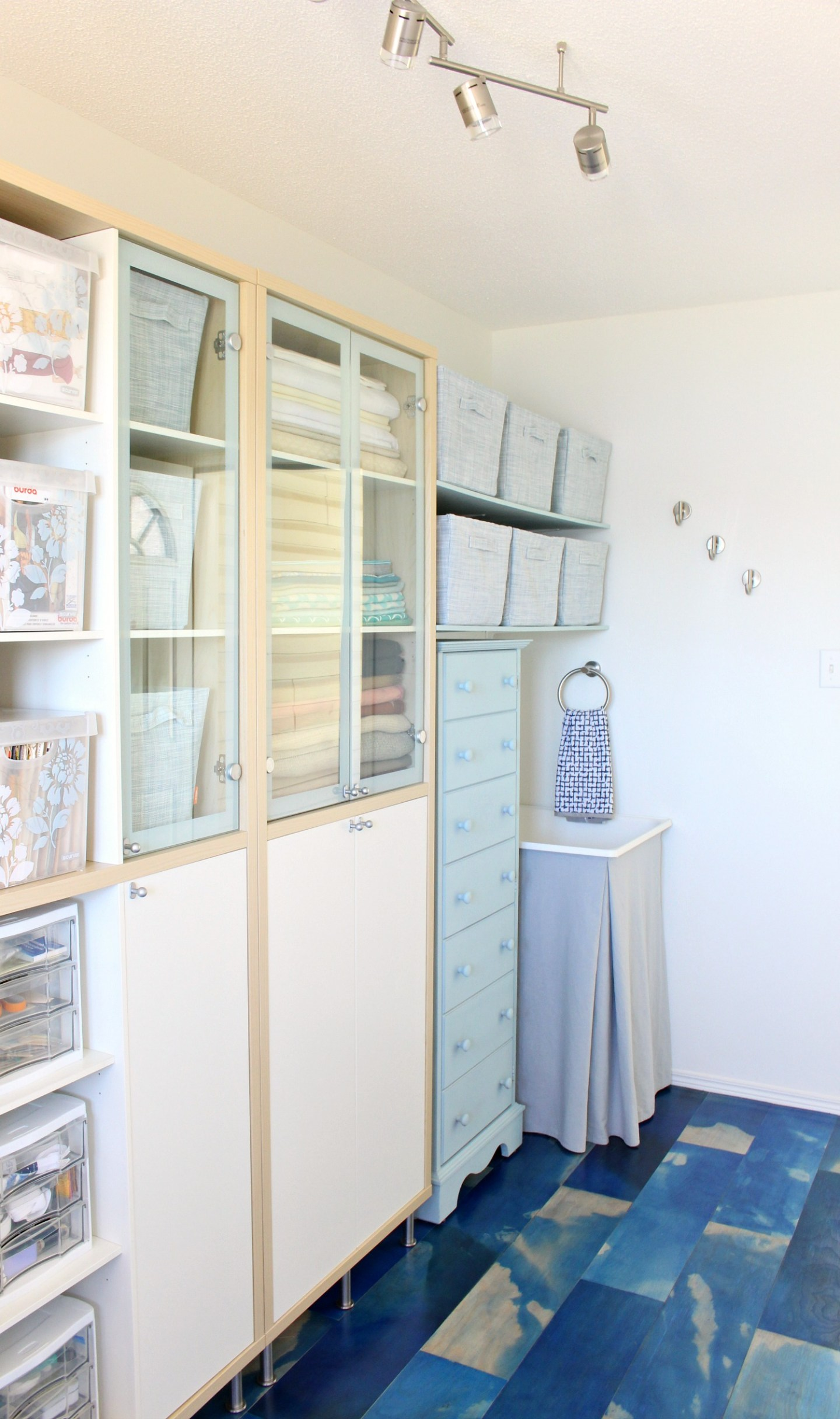 Craft Room Makeover on a Budget!