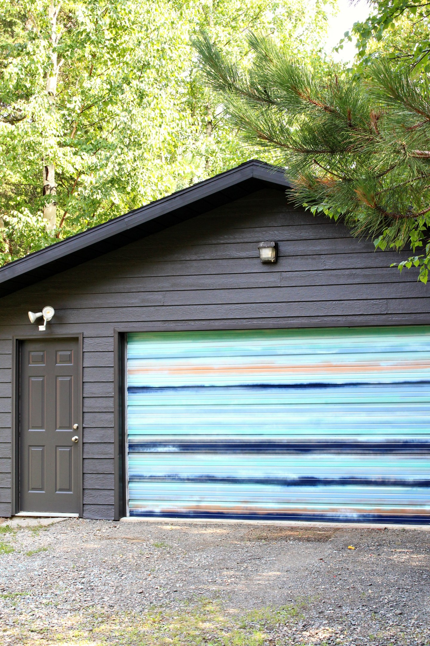 Garage Makeover: DIY Mural with Coastal Vibes