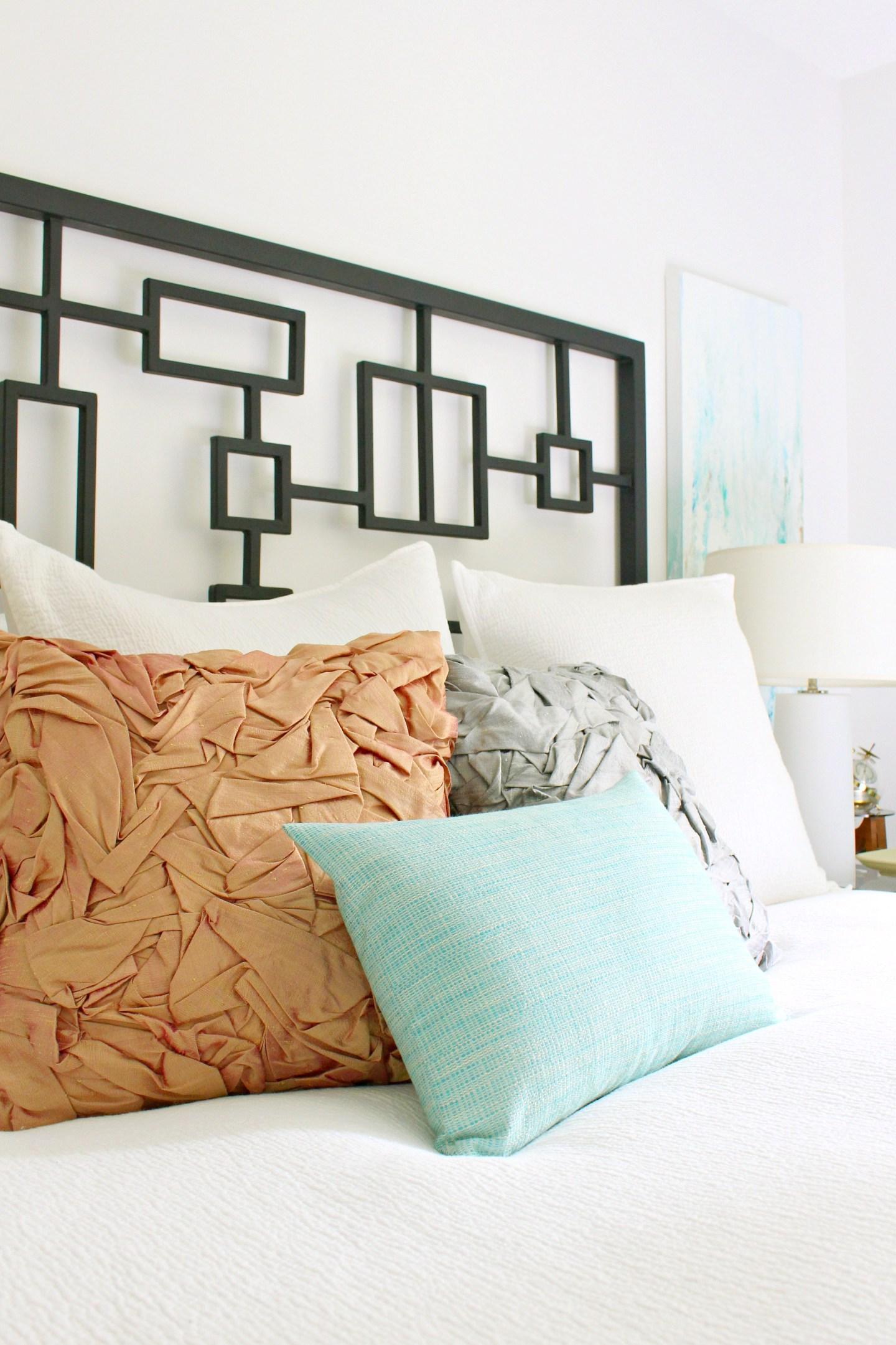 DIY project for leftover silk | DIY folded silk pillow tutorial