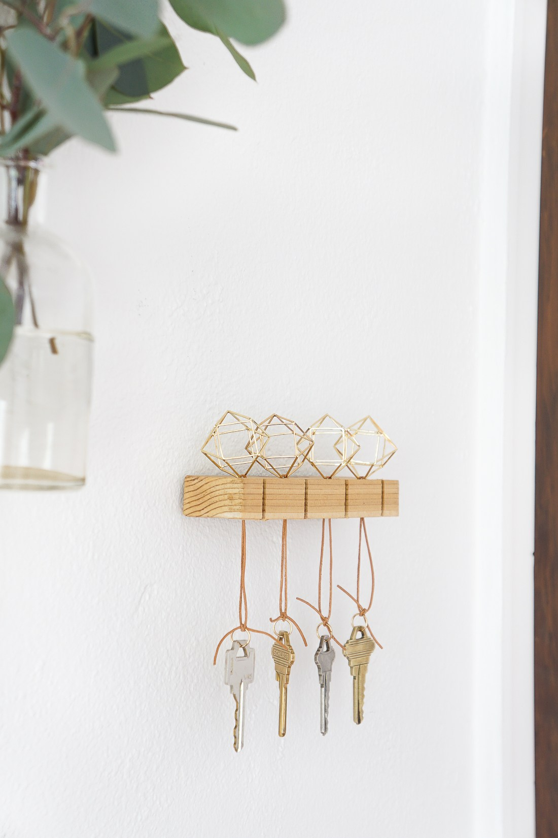 DIY Key Chains   15 Stylish DIY Projects for Organizing Your Home #organizing #diy #diyhome #clutterbustingtips