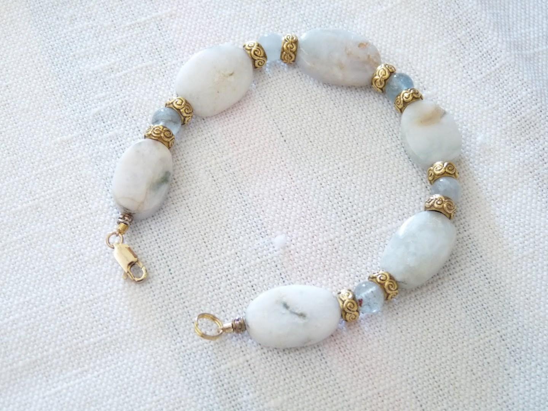 DIY Beaded Bracelet | 15 Beautiful Handmade Mother's Day Gift Ideas