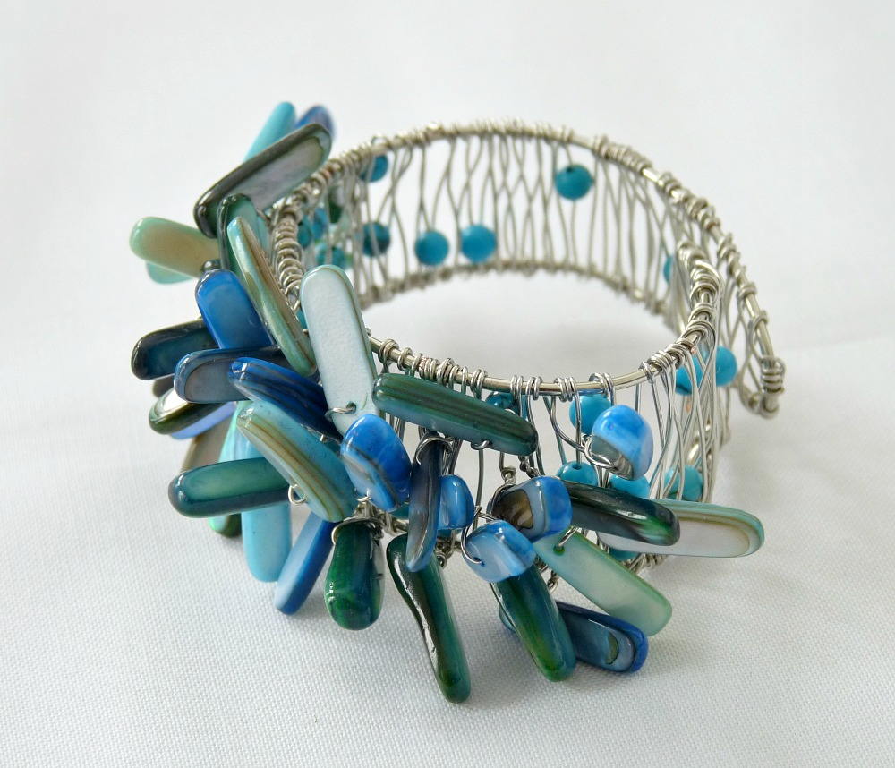 Beachy DIY Napkin Ring | 15 Beautiful Handmade Mother's Day Gift Ideas