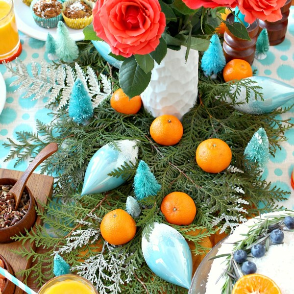 TURQUOISE CHRISTMAS TABLESCAPE