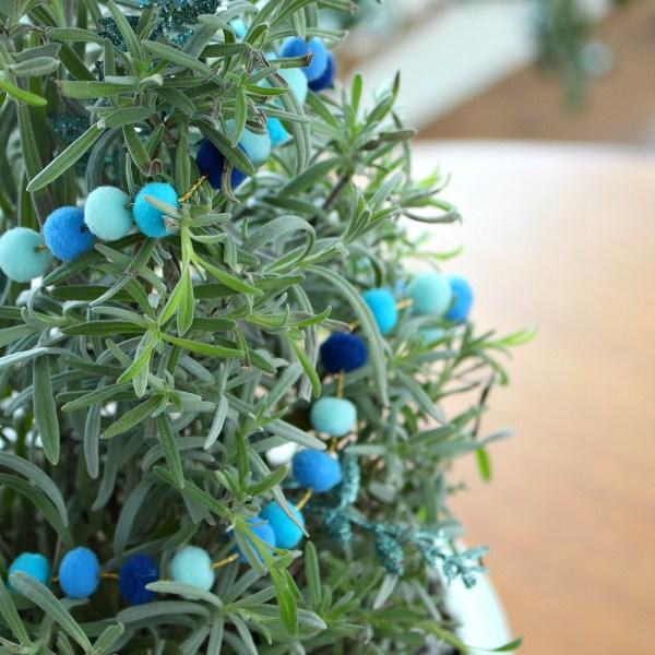 MINI POM POM GARLAND DIY FOR HOUSE PLANTS