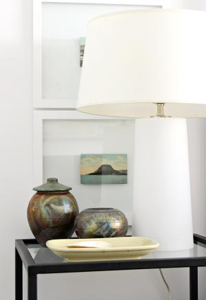 WHITE LAMP WITH LIGHT UP BASE