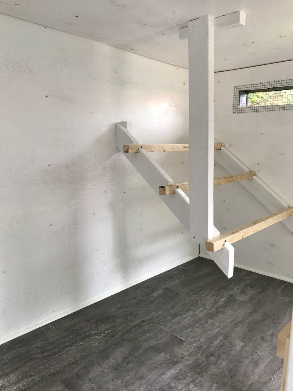 DIY Coop Roosts