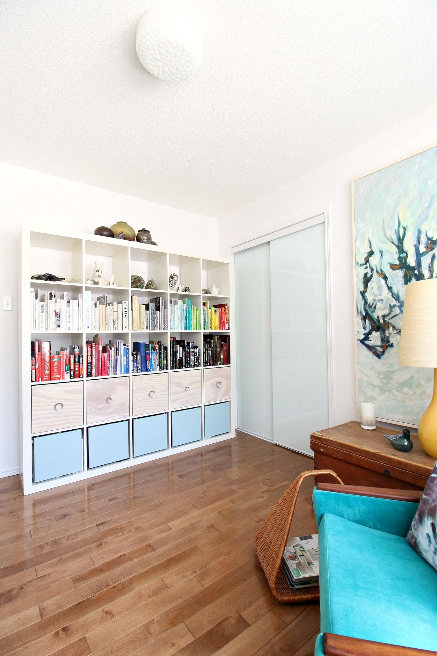 Stylish White IKEA Expedit Kallax