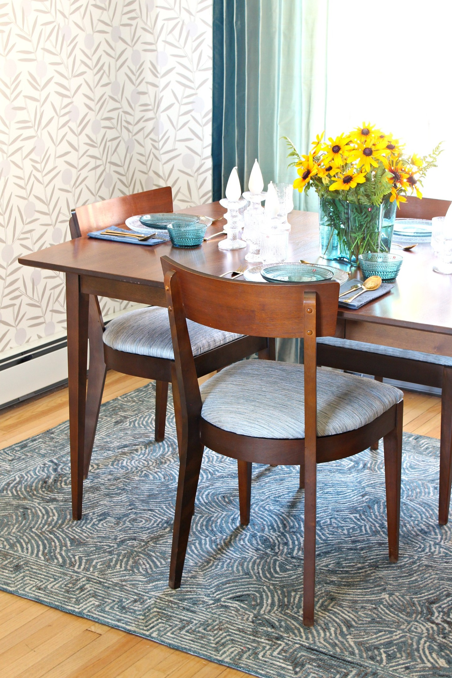 Mid-Century Dining Room Furniture