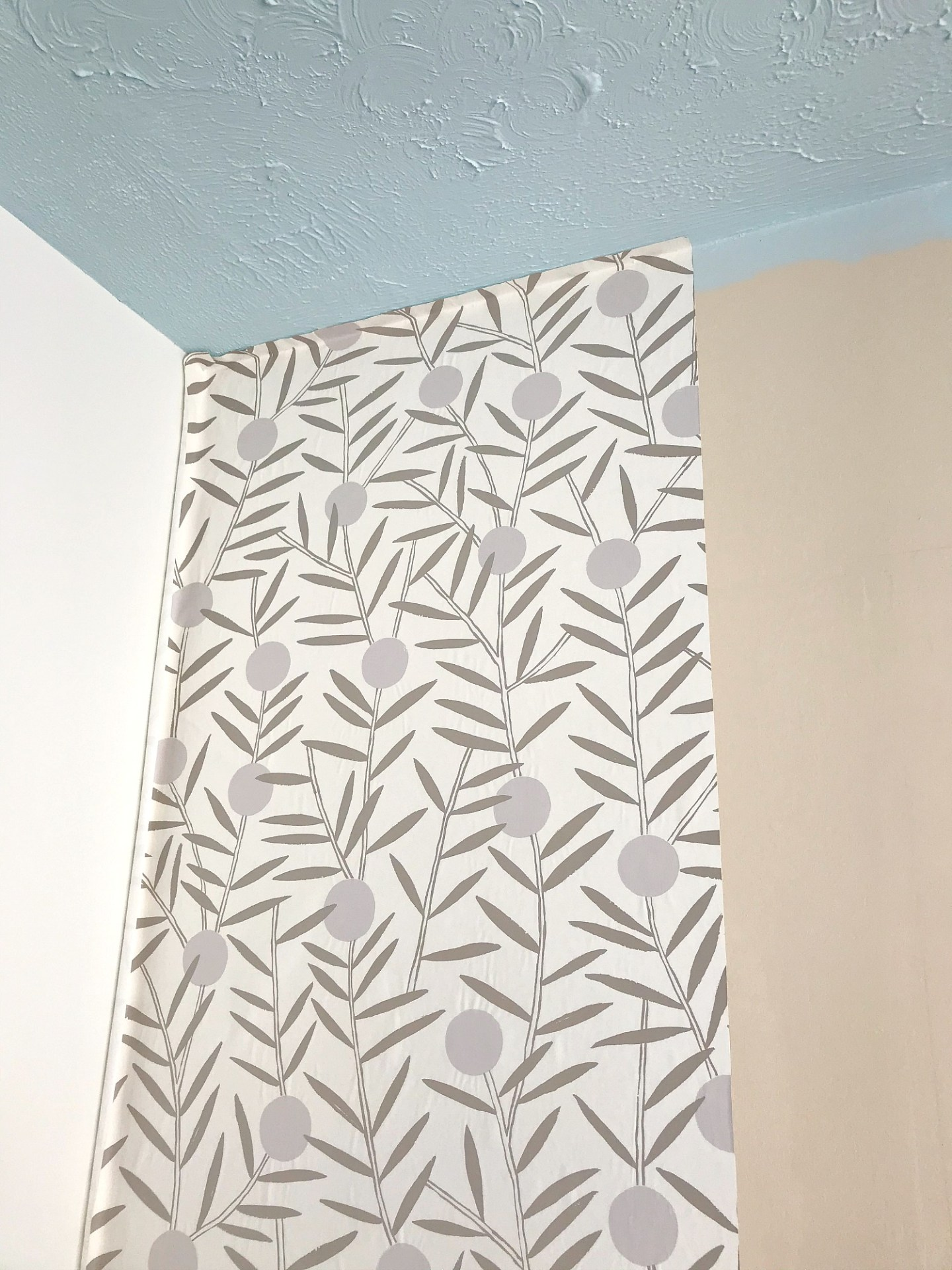 Where To Start When Hanging Wallpaper