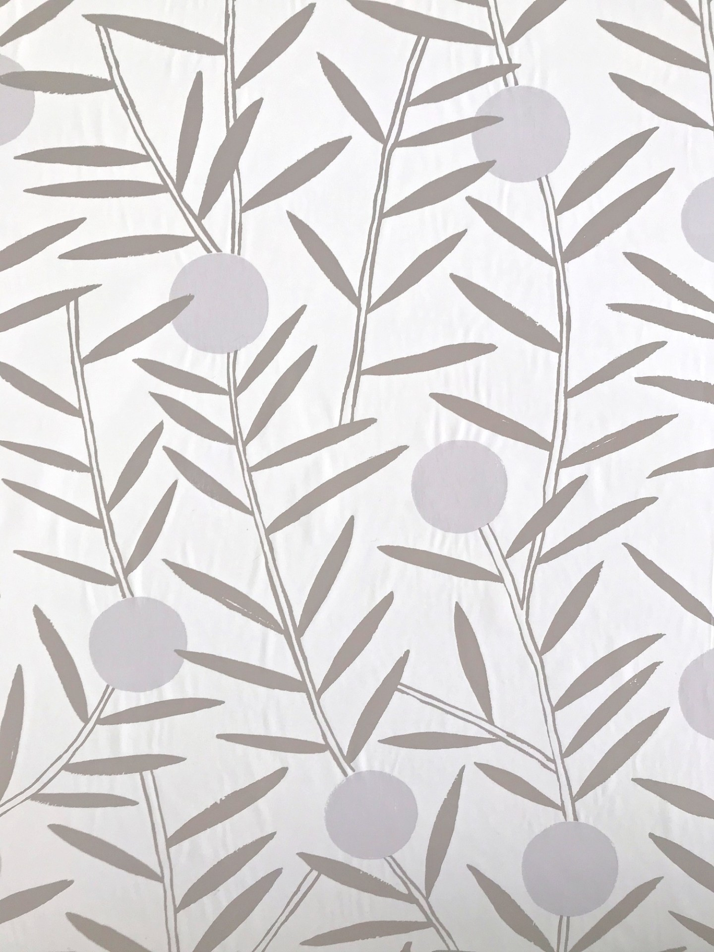 How to Smooth Wallpaper Wrinkles
