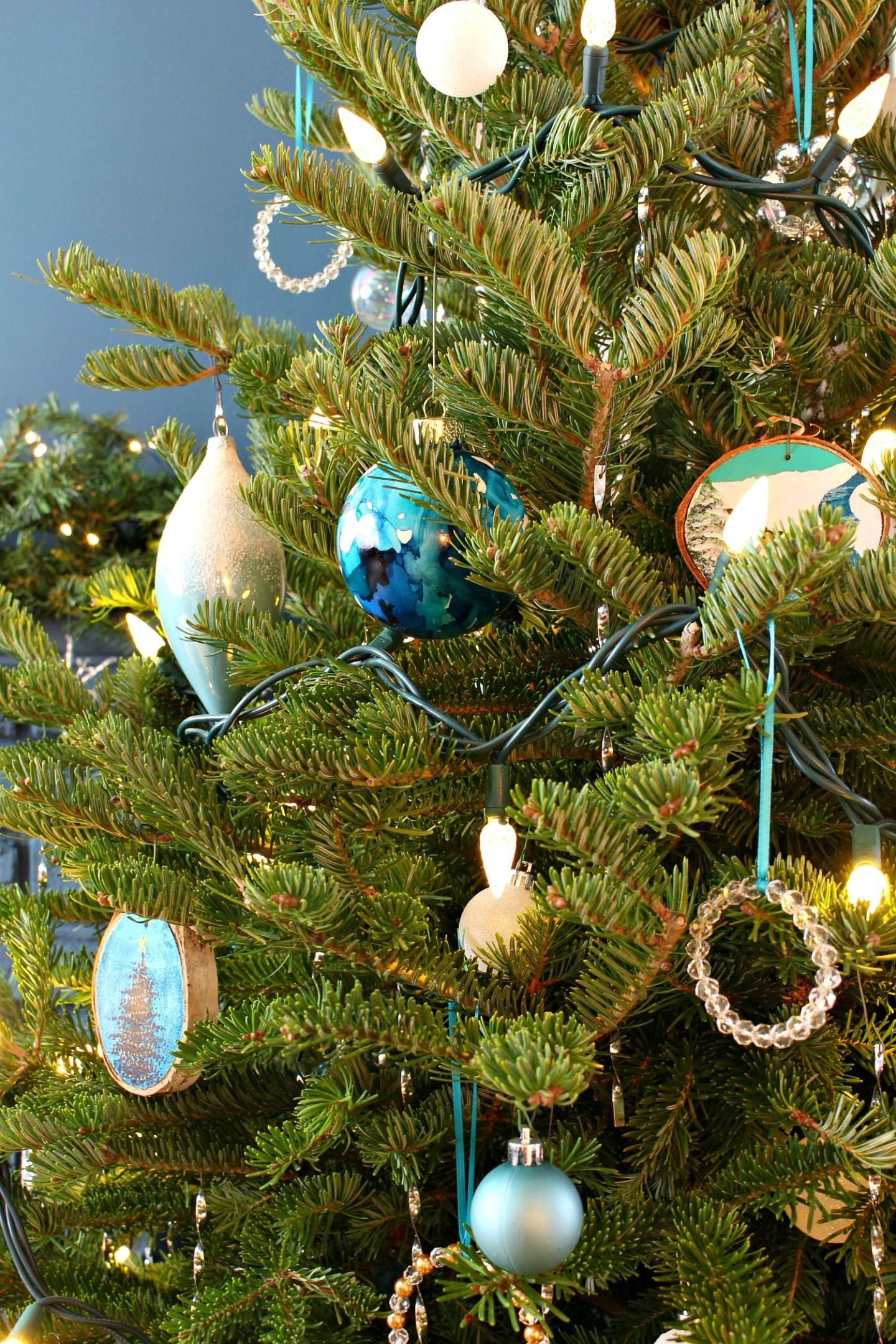 Real Christmas Tree Theme