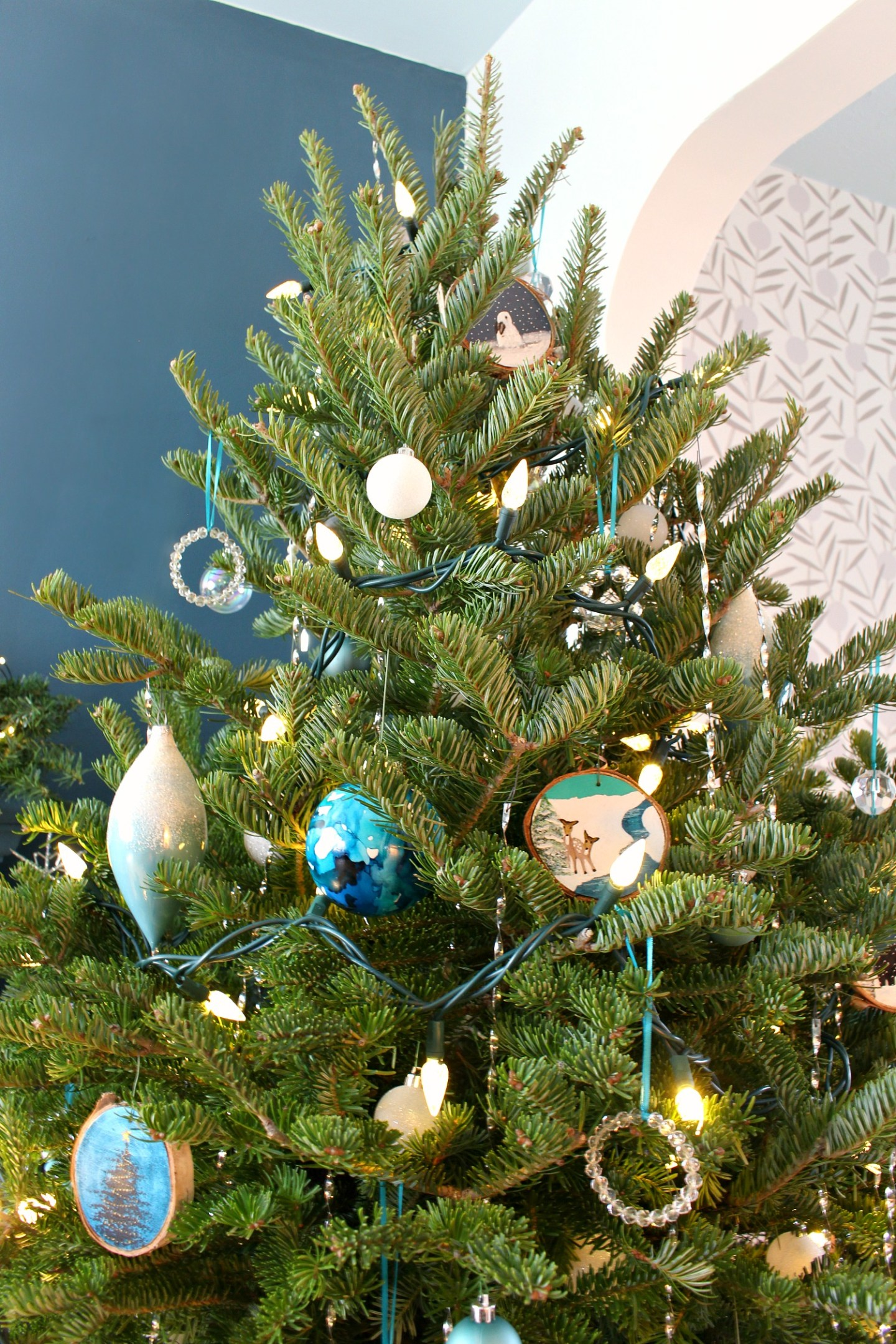 Blue and White Themed Christmas Tree Ornaments