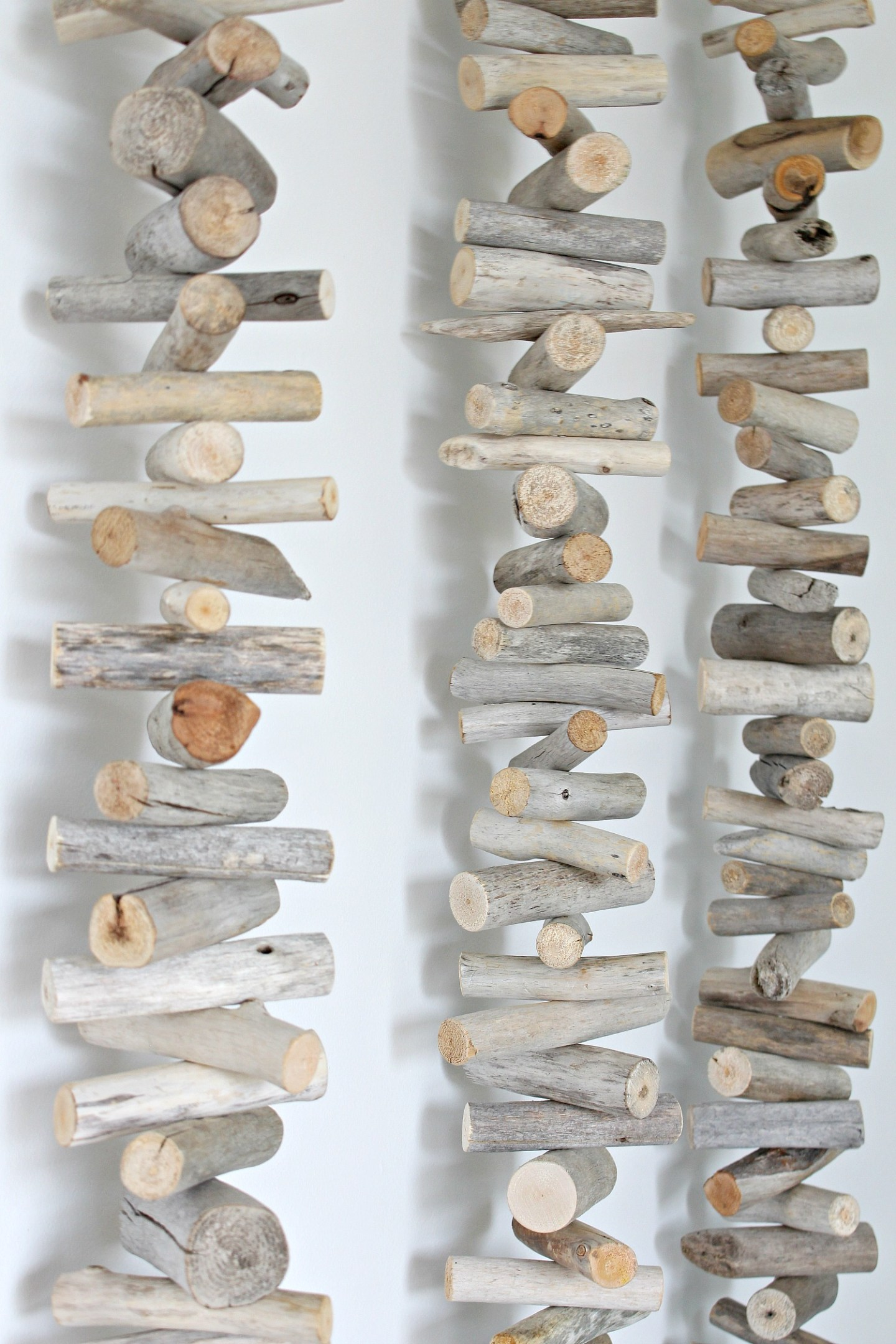 DIY driftwood garland