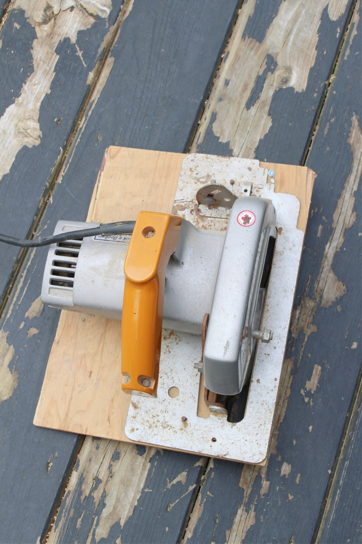 How to Use a Circular Saw to Widen Gaps Between Deck Boards