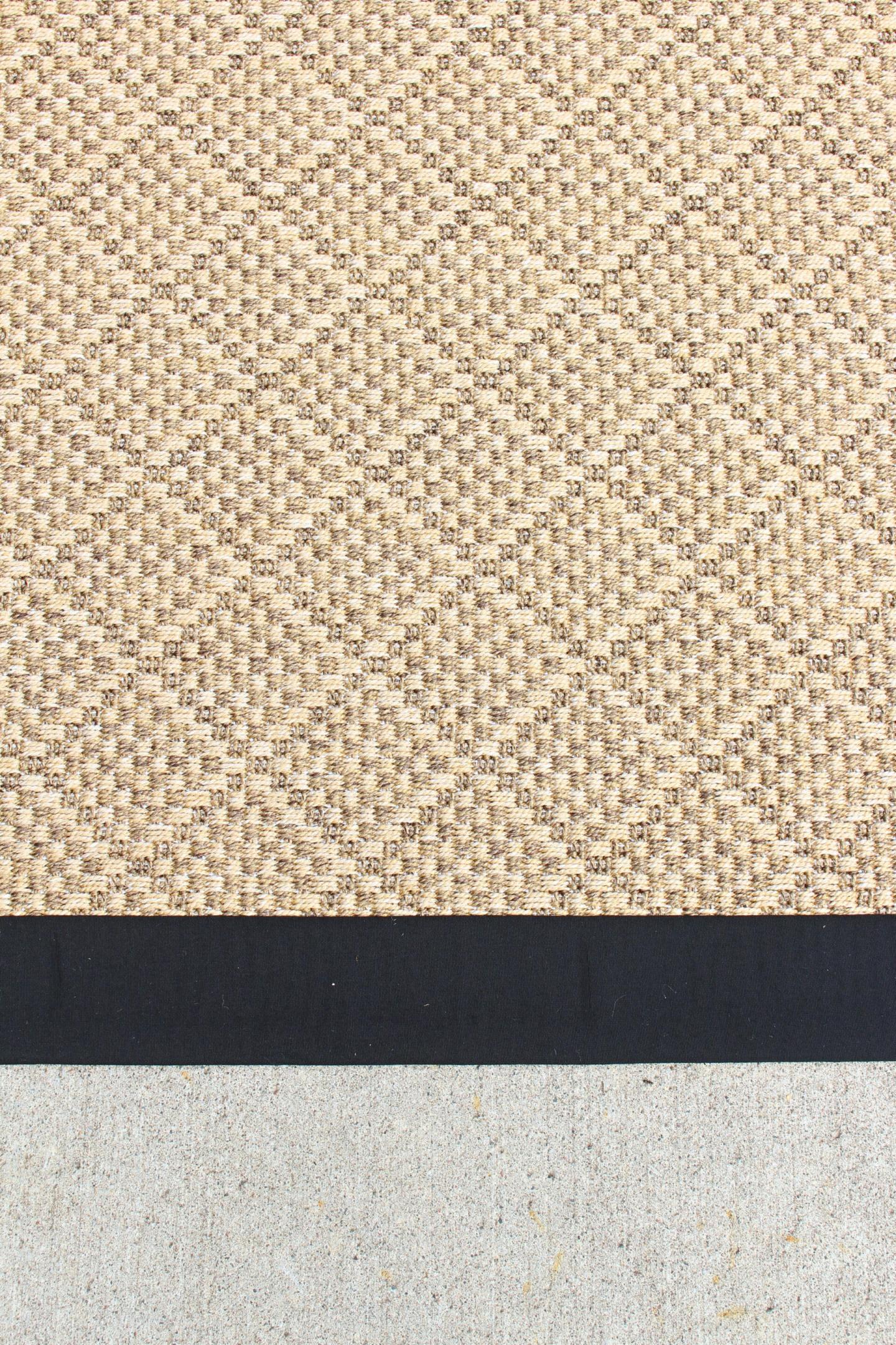 Diamond Pattern Outdoor Rug