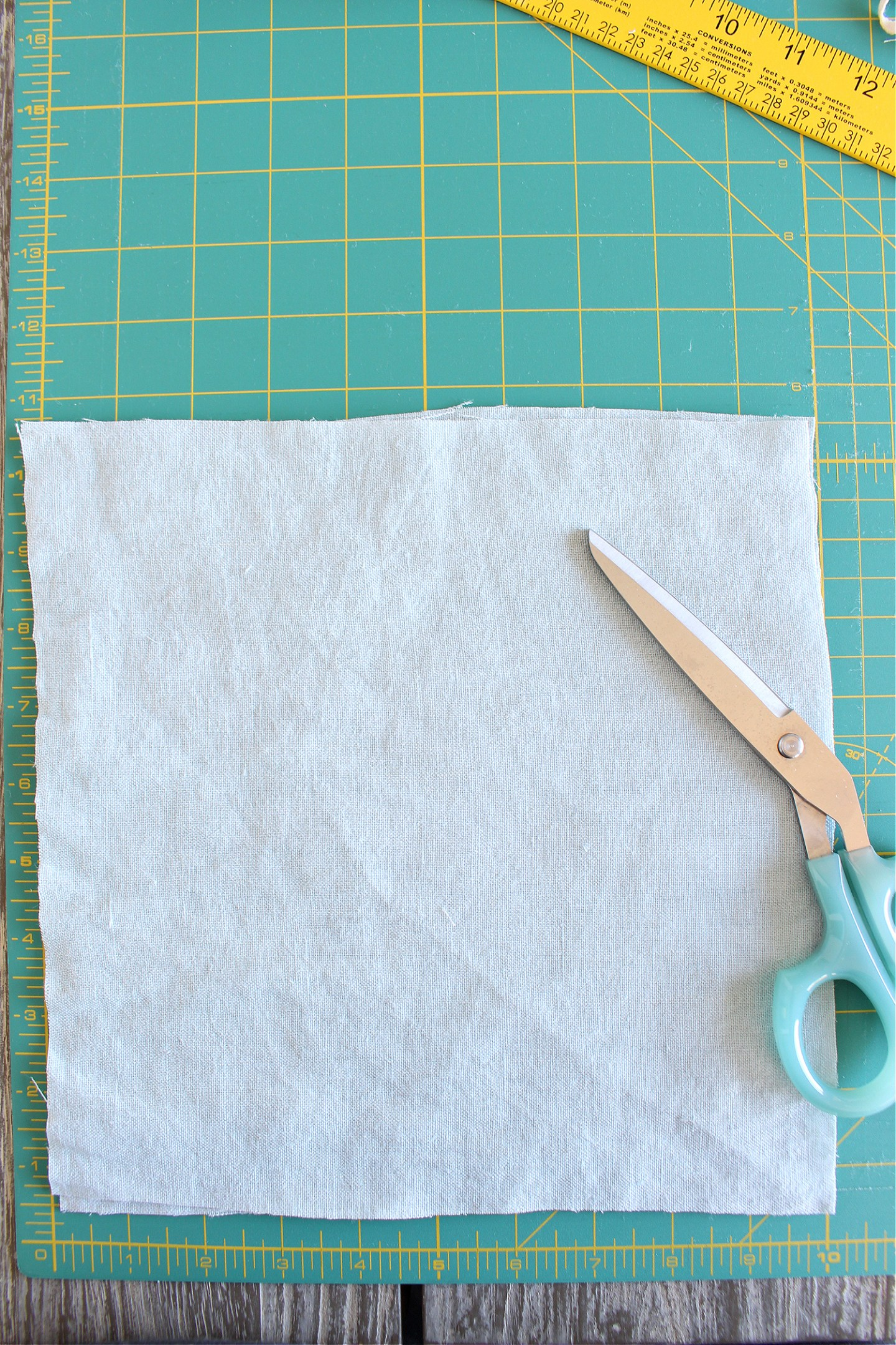 Add fabric to a duvet cover