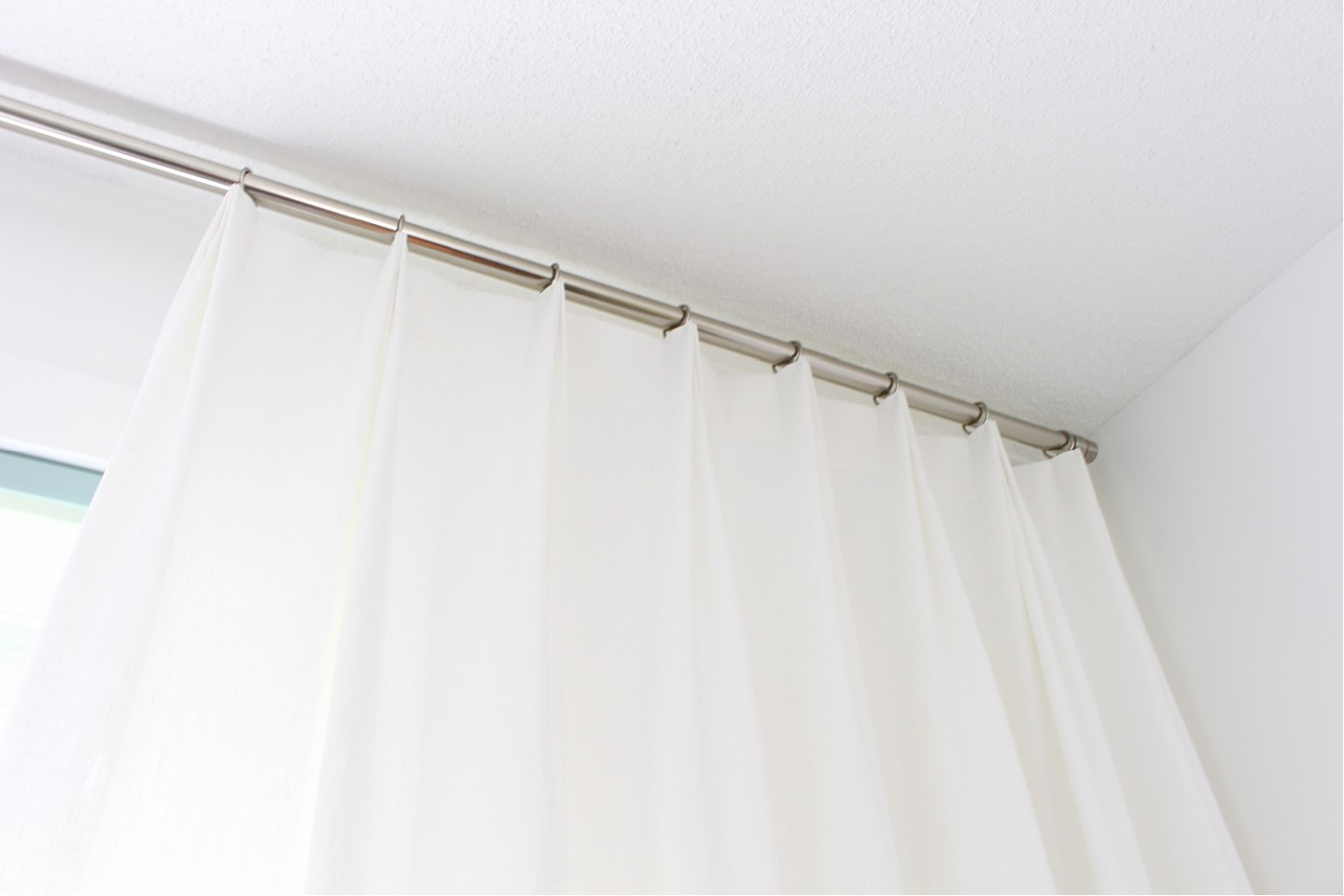How to Make Pleated Curtains