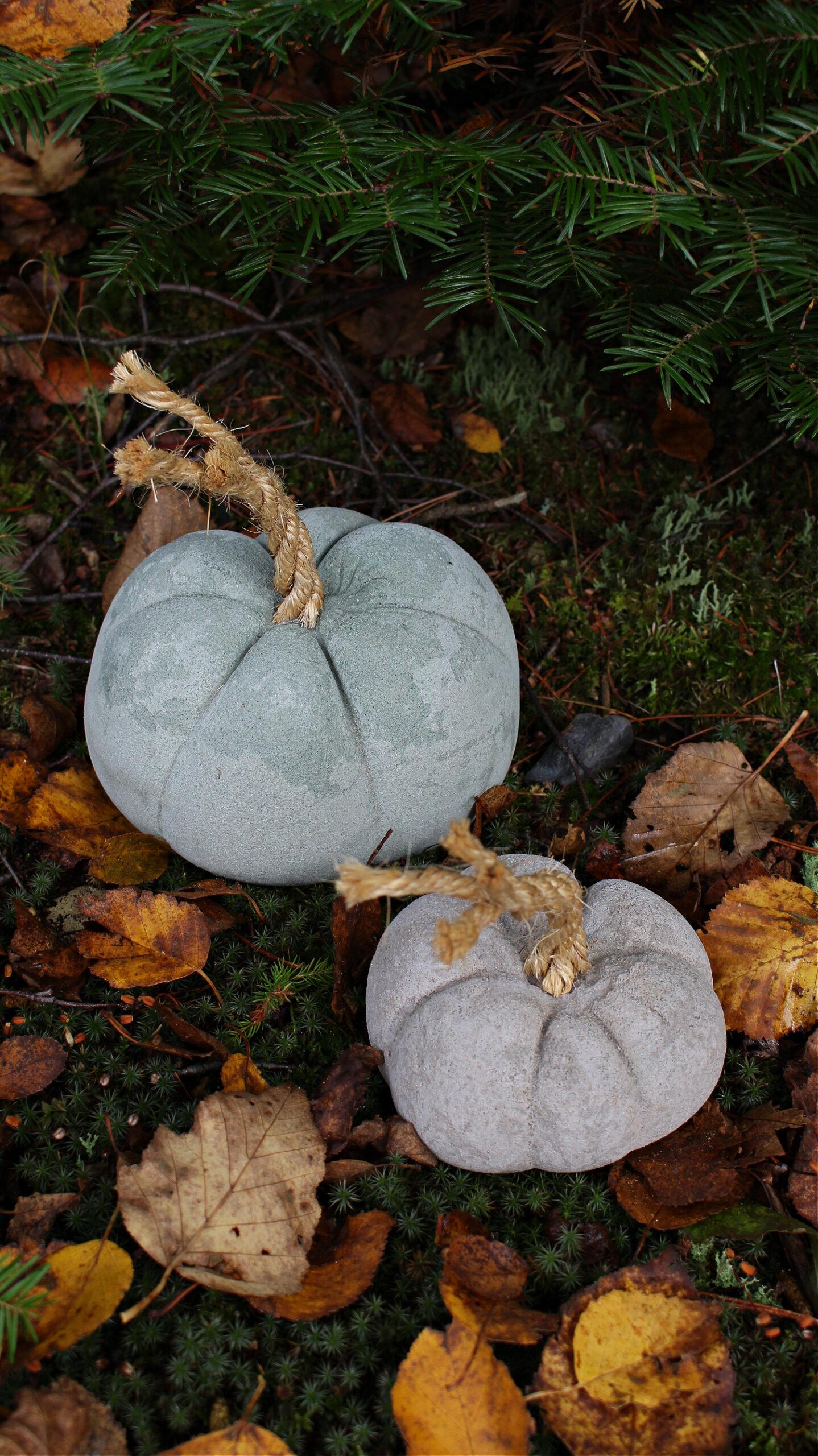 DIY Concrete Pumpkins with Dyed Concrete