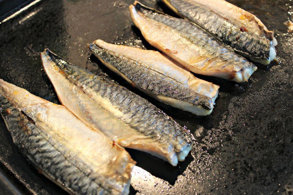 Des maquereaux grill s pour l 39 ap ro dansmacuizine - Maquereau grille au four ...