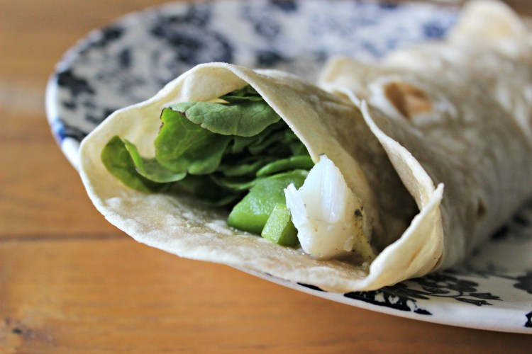 burrito au poisson, sauce kiwi
