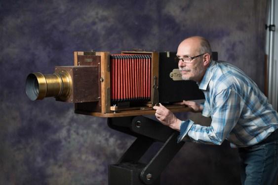 Didier Leplat - Autoportrait avec le Trombinotron