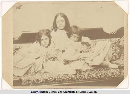 Alice Liddell et ses deux soeurs