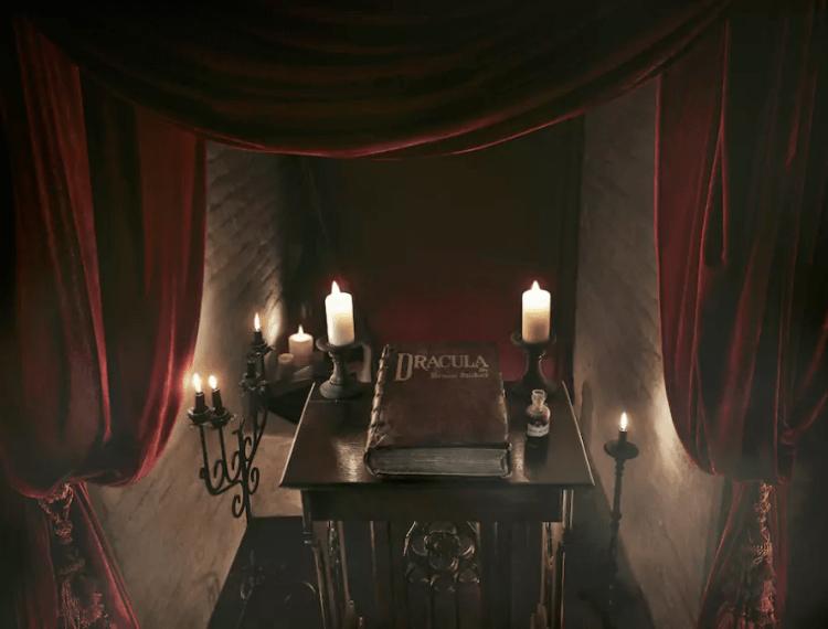 dans-ta-pub-airbnb-dracula-halloween-chateau-5