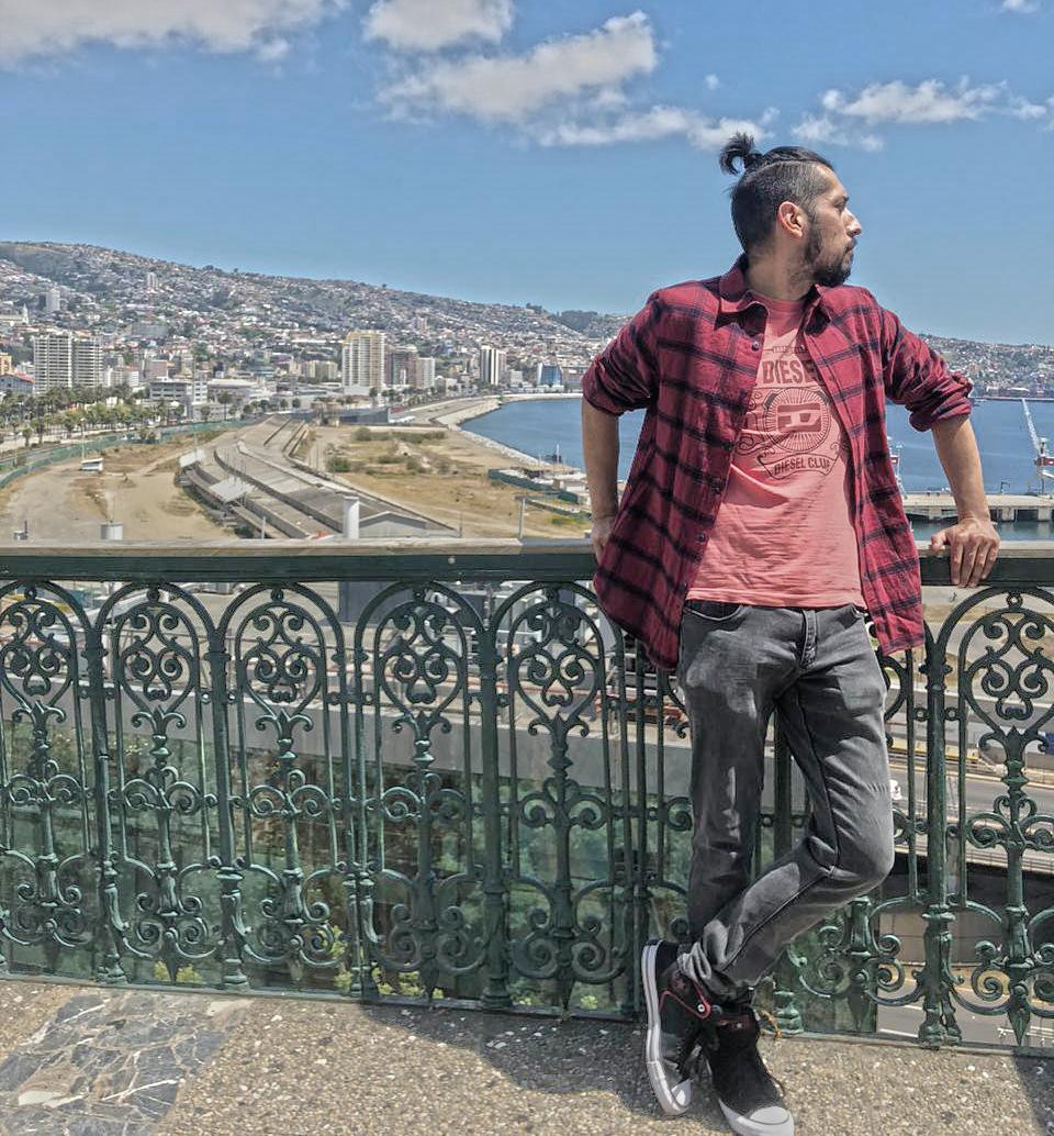 dante alvarado diseñador freelance en Valparaíso dantesaurio
