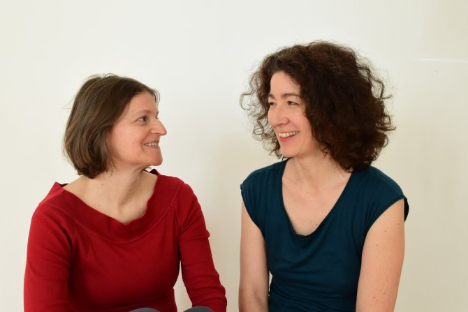 Nadja Grössing und Karin beim Achtsamkeitsyoga