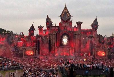 Bild von der Mainstage am Tomorrowland Festival 2015