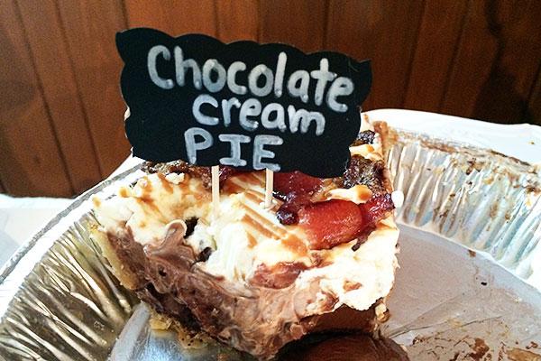 chocolate-cream-pie-with-bacon