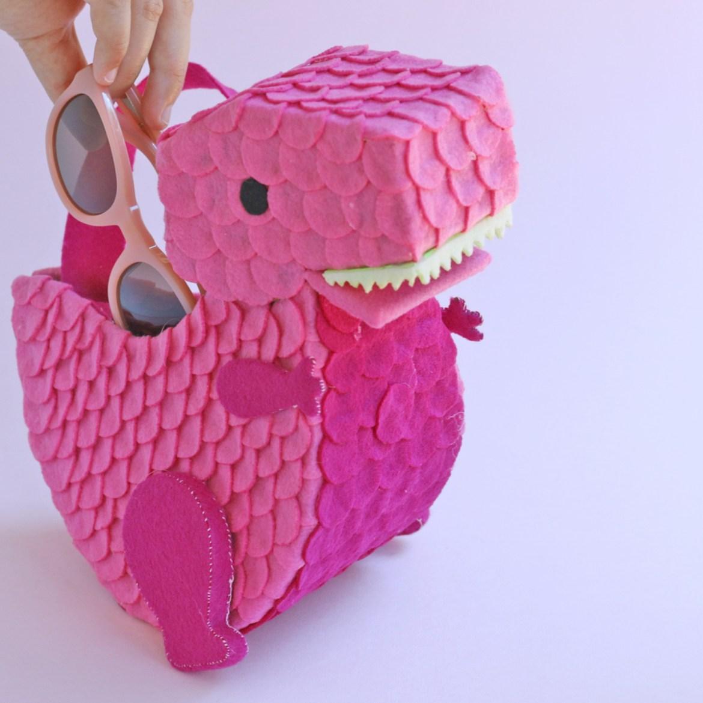 How to make a felt dinosaur bag tutorial