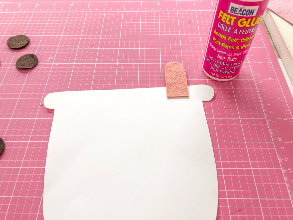 Felt Bubble Tea Banner Tutorial: Glue straw